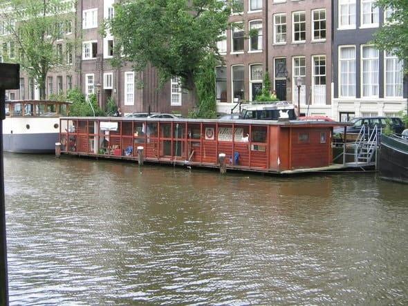 de_poezenboot-min